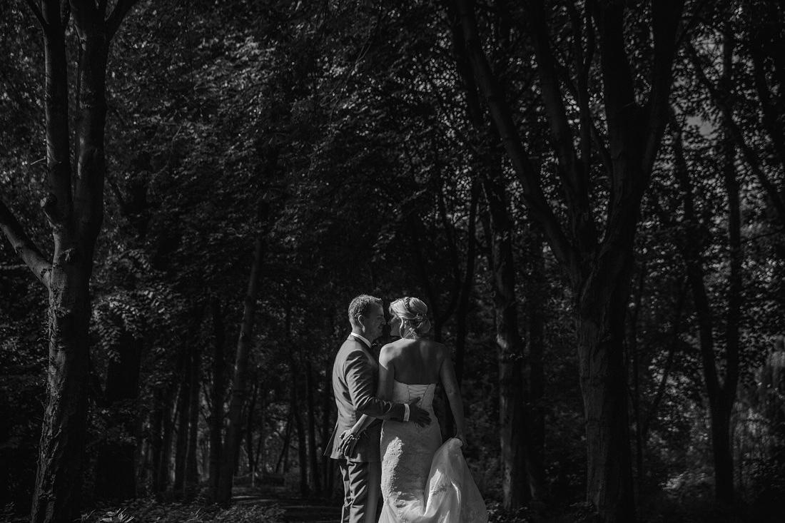 11-fotoshoot-bruidspaar-trouwreportage-c