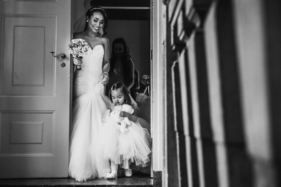 bruidsmeisje voorbereiding bruid
