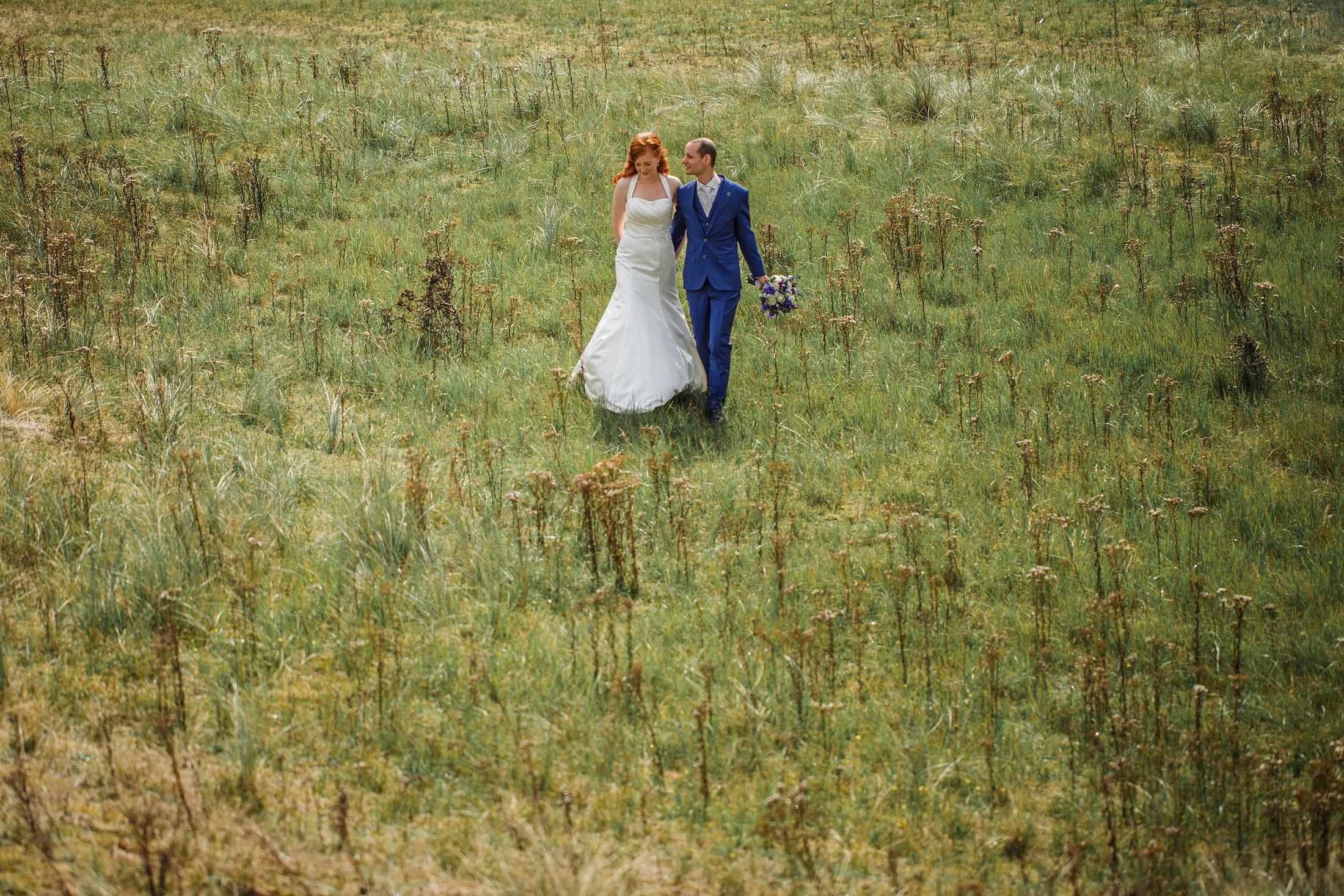 fotoshoot bruidspaar amsterdamse waterleidingduinen zandvoort