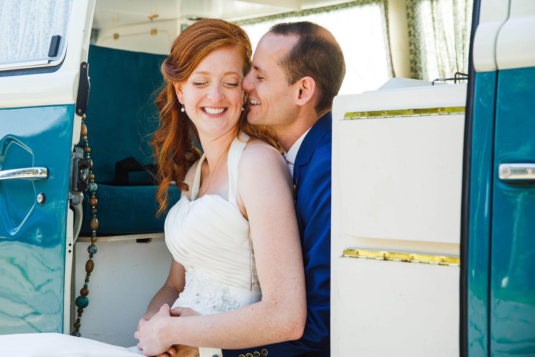 fotoshoot volkswagen busje bruiloft