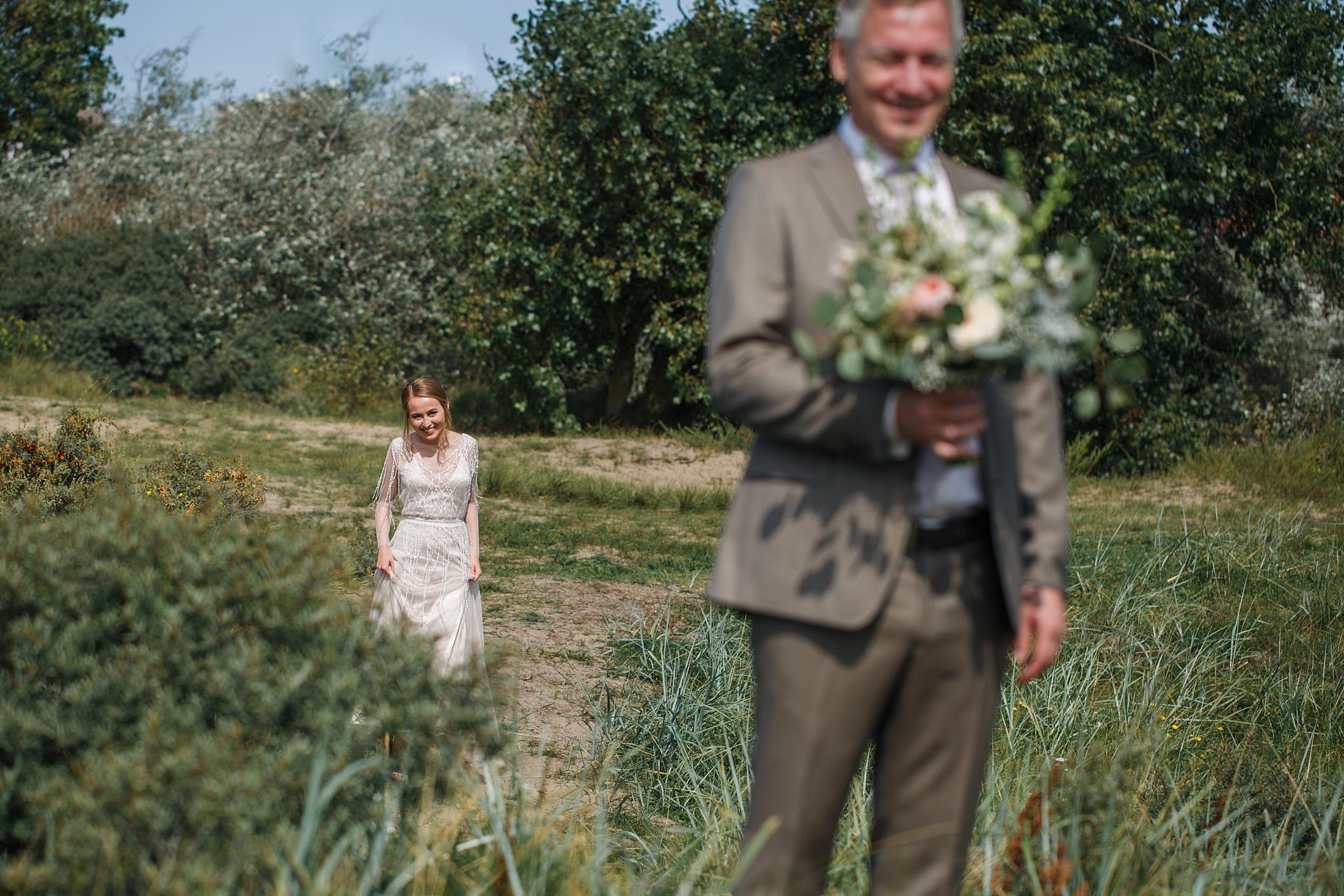 12-ontmoeting-bruidspaar-first-look