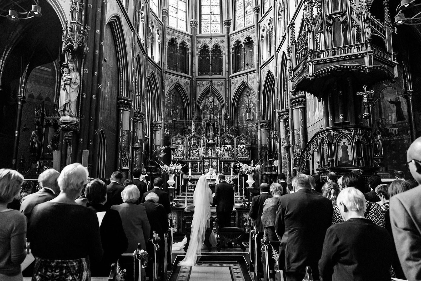 39-wedding-ceremony-onze-lieve-vrouwekerk